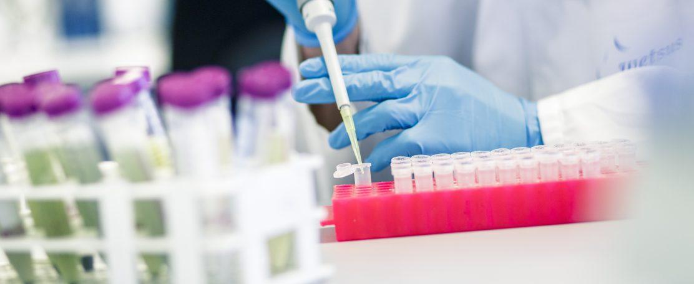 Microtechnologie scheidt op grote schaal deeltjes van suspensies