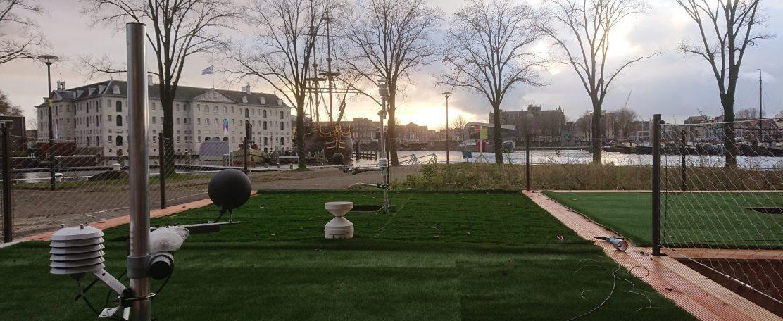 Amsterdams succes: kunstgrassportveld heeft verkoelende werking